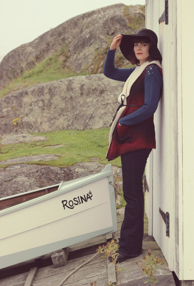 Old Navy, Flared Jeans, Light House, Floppy Hat, Shearling and buffalo print vest, Marshall's , H&M , Fashion Blogger