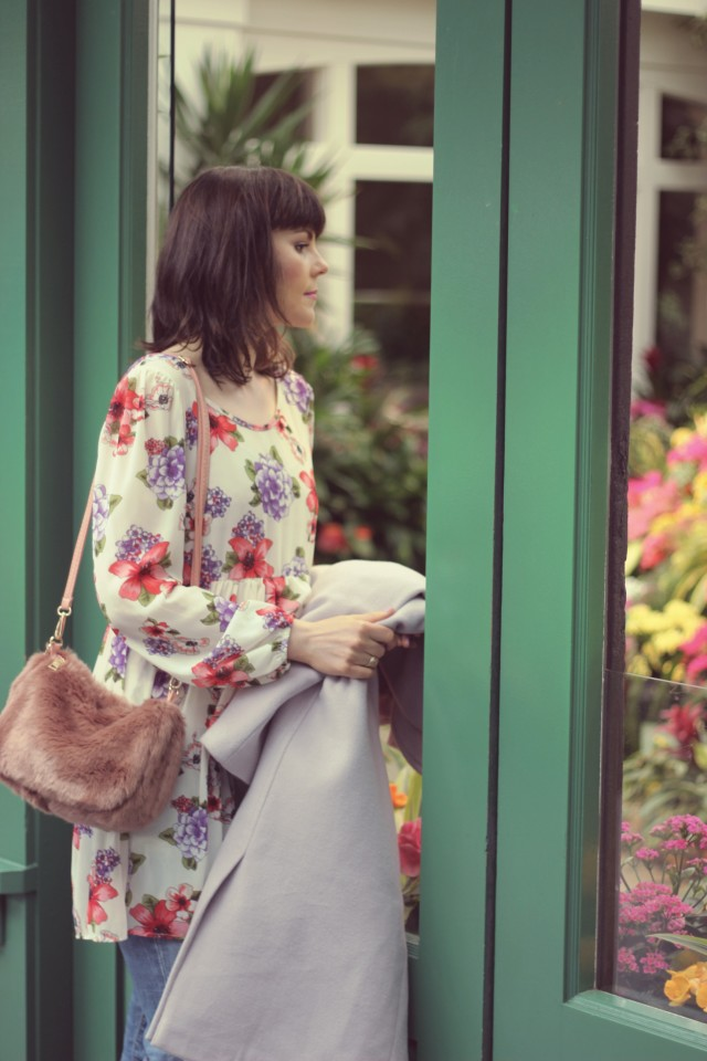Butchers Gardens, AMI Club wear, Chic Wish, Floral dress, Spring fashion, Fashion Blogger, distressed jeans, faux fur bag, flowers, victoria