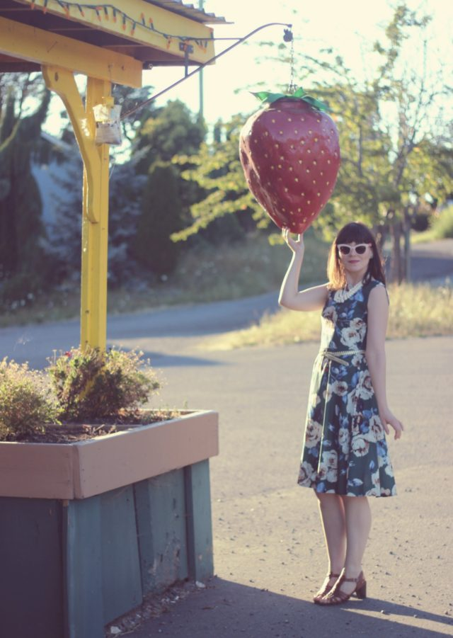 Sammy Dress, Vintage, Fashion, Dress, Floral, Retro, Blogger, Style, Strawberry, Farm
