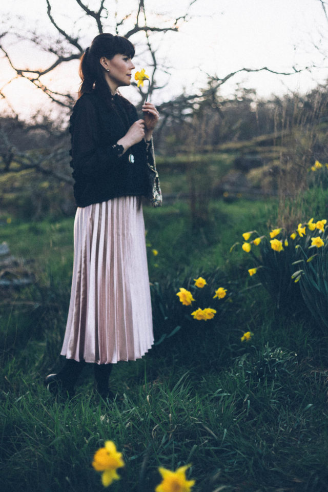 Chic Wish, Sweetest Sheen Pleated Midi Skirt in Pink, Fence of Romance Crochet Chiffon Top in Black, Midi Skirt, Pleated Skirt, Cameo, Leopard Coat, Vintage fashion, Spring, Pink, hair bow