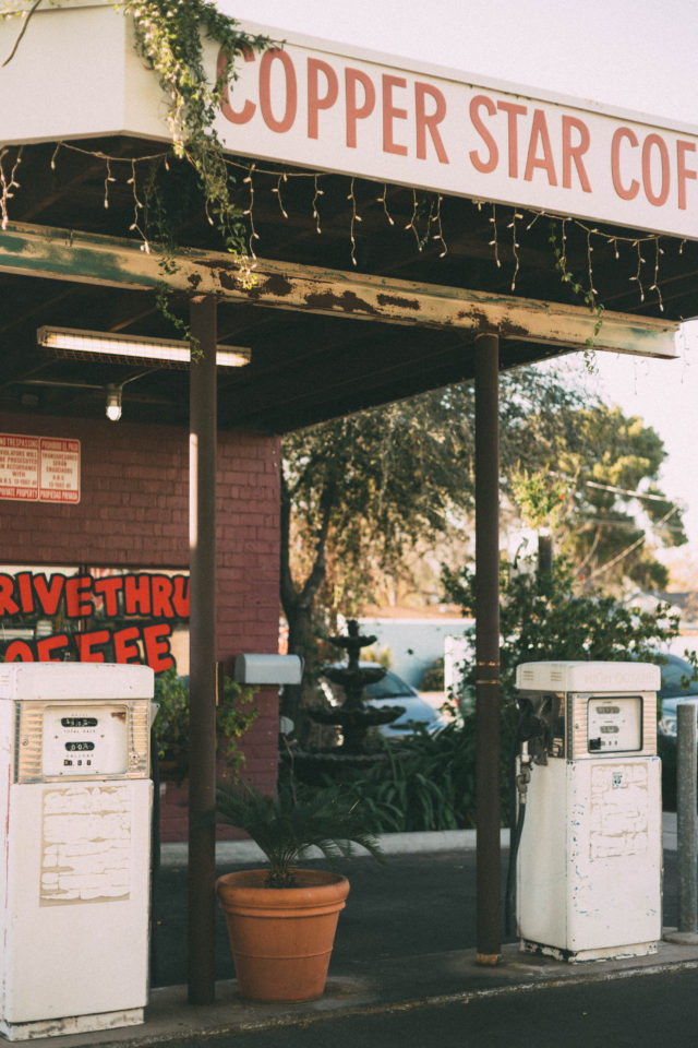 Vintage Phoenix, City Guide, Shopping, Vlog, Retro, fashion, thrifting, antiques, style, blogger, dress, The Brass Armadillo Antique Mall, Sprinkles Cupcakes ATM, Sugar Bowl Diner, Jerome Arizona, Cottonwood,