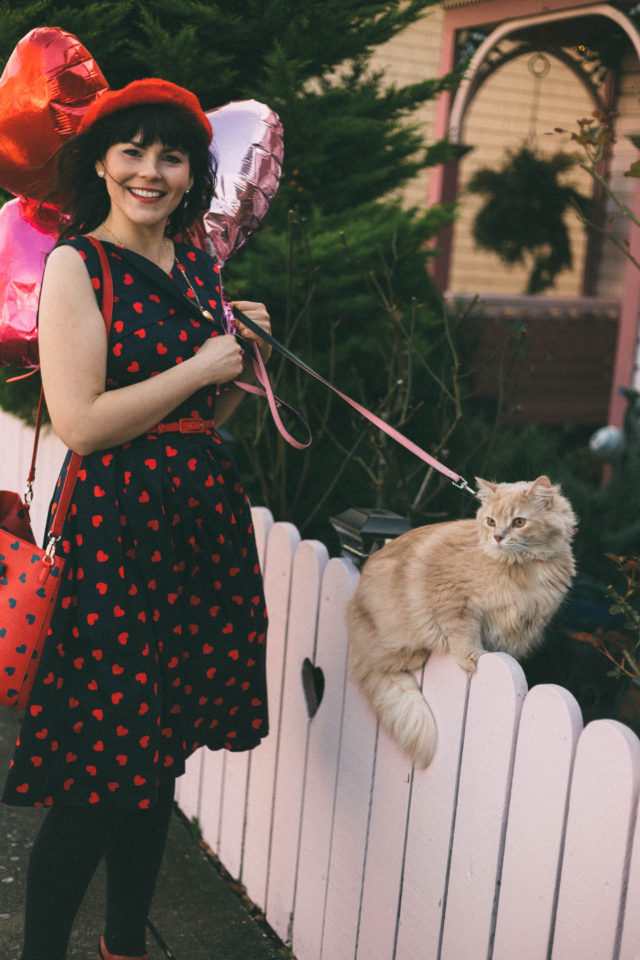 FALLING IN LOVE PROM DRESS, Review Australia, FALLING IN LOVE TOTE BAG, Review Australia, Valentines Day, Outfit ideas, vintage dress, fashion, retro, style, heart, cat,