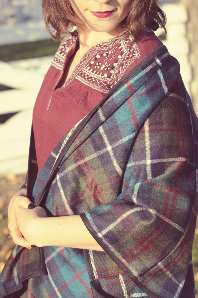 Old Navy, Fall Fashion, Plaid Poncho, Boho Fashion, Green Cords, Women's Fashion, Fashion Blogger