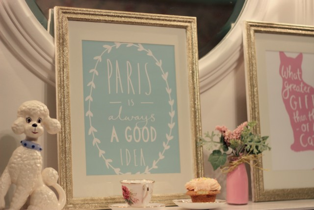 DIY Glitter picture frame
