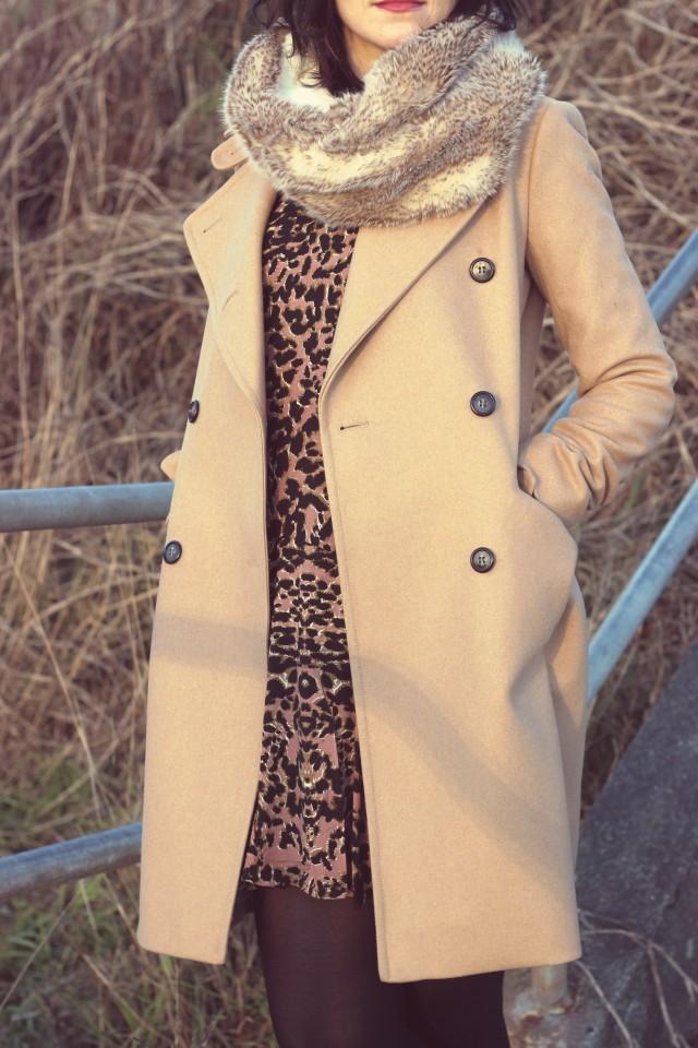Club Monaco Beige Coat, California MoonRise leopard print dress, AEO Faux Fur Snood, Black Beret, Parisian Fashion, Paris, Street Style, Fashion Blogger, Dallas Road, Victoria, Canada, Vancouver Island