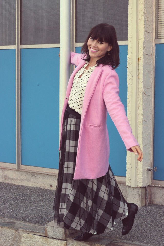 New Chic Pink Coat, New Chic pink cupcake bag, Maison Jules Tulle skirt, H&M Bow printed blouse