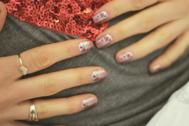 Jamberry Valentine's Nail Wraps, SinInLinen pillow fight bed sheets, H&M sequinned heart shirt