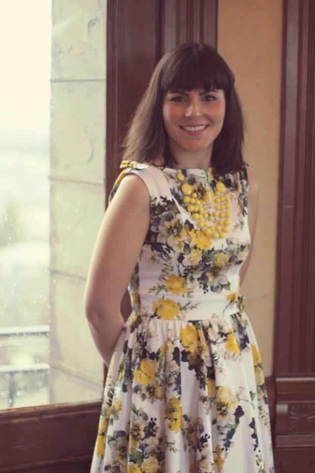 unique Vintage, retro clothing, vintage dresses, vintage fashion, floral 1950s dress, Craigdarroch castle