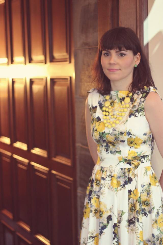 unique Vintage, retro clothing, vintage dresses, vintage fashion, floral 1950s dress, Craigdarroch castle