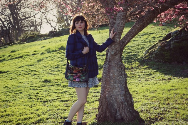 Old Navy, Elliot Lucca, Spring Fashion, Fashion Blogger, Mixing prints, Floral Dress, Vintage Fashion, Cherry Blossoms, floral bag, mixing prints