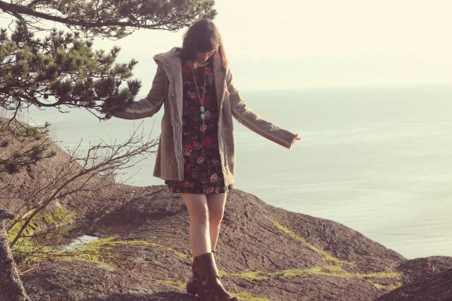 California Moonrise, Boho Fashion, Coachella Fashion, Music Festival Fashion, 1970s Fashion, Charming Charlie, Fashion Blogger, Victoria , shearling coat, frye harness boots, floral dress