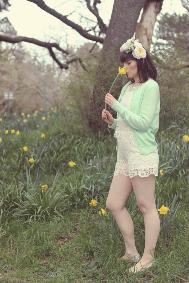 Marshall's, Lord and Taylor, Flower Crown, DIY Flower Crown, Mint cardigan, Cashmere, cream crochet jumpsuit, coachella outfot ideas, fashion blogger, Victoria, boho style