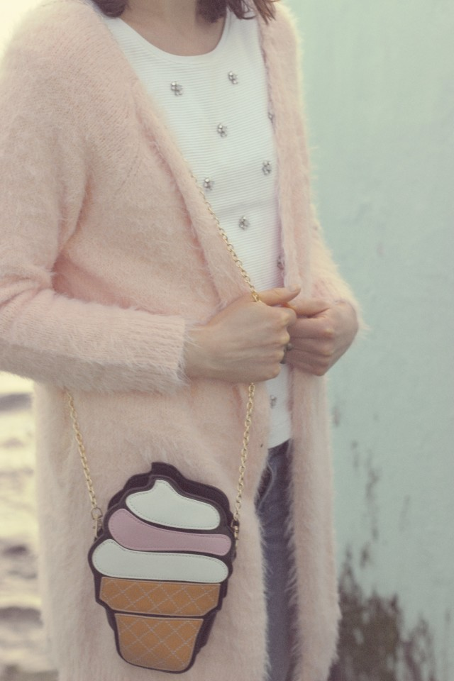 Chic Wish, Pink Cardigan, Distressed jeans, Cat Ring, Daisy Earrings, New Chic Ice Cream Bag, Fashion Blogger, Vintage Fashion, Spring Fashion
