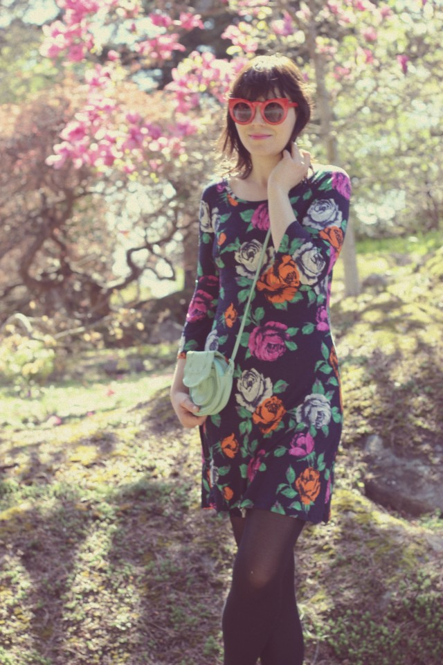 Ami Club Wear, Floral Spring Dress, Red Cat eye sunglasses, vintage fashion, spring fashion, fashion blogger