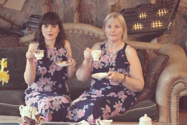#ShareYourHero, UBS, Annie Leibovitz, WOMEN: New Portraits, High Tea, Mother's Day Tea, Mother and Daughter, Fashion Blogger, Old Navy Sun Dress, Macaron