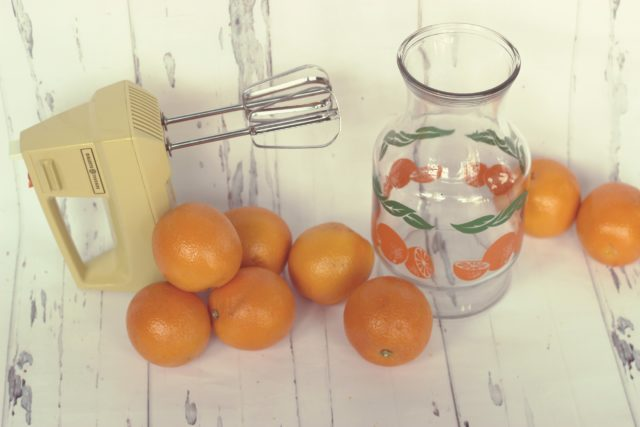 Vintage general electric blender, vintage juice jug