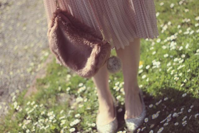 Club Monaco pleated Midi skirt, Chic Wish Crochet Sweater, Marc by Marc Jacobs pink cat eye sunglasses , AMI Club Wear faux fur bag, scoring fashion, vintage fashion, doll house, fashion blogger