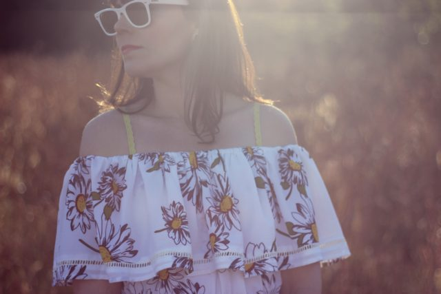 Chic Wish, Daisy, Maxi Dress, Off the shoulder, Ray-Ban Wayfarer, vintage fashion, summer fashion, fashion blogger, summer dress, summer wedding