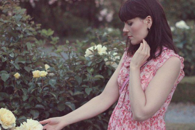 Marshalls, floral maxi dress, summer, wedding, pink, kate spade, rose garden, government house, fashion blogger, vintage