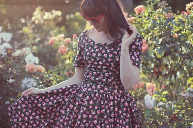 Unique Vintage, Unique Vintage Black Floral Roman Holiday Sleeved Scallop Swing Dress, Vintage, pinup girl, dress, retro, blogger, style, retro clothing styles, dresses.