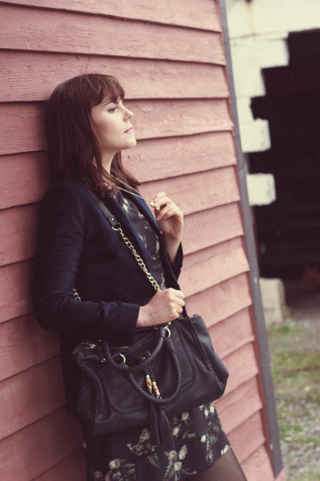 Paradise Boutique, Victoria, Vintage Fashion, Angel Eyes, Fashion Blogger, Velvet Blazer