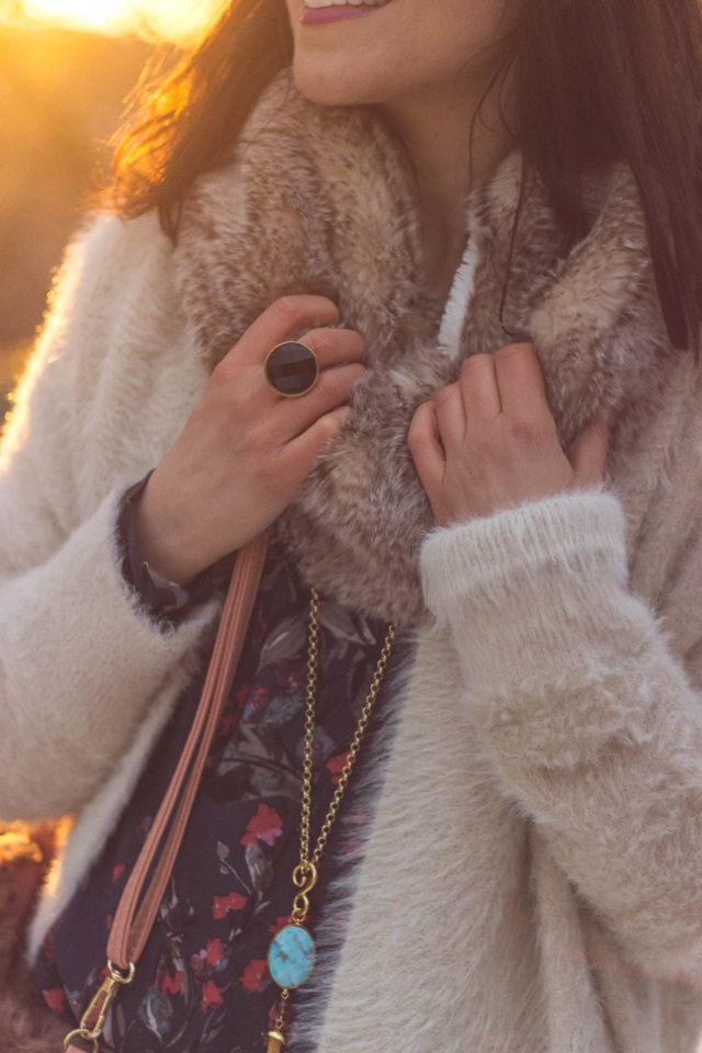 Design Lab, Buffalo David Bitton, Jessica Simpson, Stephanie Kantis, Distress jeans, boyfriend jeans, cozy cardigan, winter fashion, holiday, outdoor, style, boho, women, outfit, fashion, vintage, idea