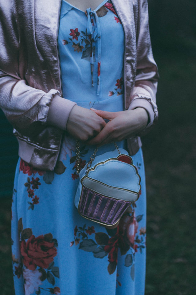 DESIGN LAB LORD & TAYLOR Satin Bomber Jacket, Hudson's Bay, CECE Rhea Off-the-Shoulder Printed Midi Dress, Floral Dress, Cupcake Clutch, Cupcake Bag , Tea Party Clutch , Tea Party Bag , Alice in wonderland Bag,Cake Bag, Vintage, Floral, bomber jacket, Spring, flowers,