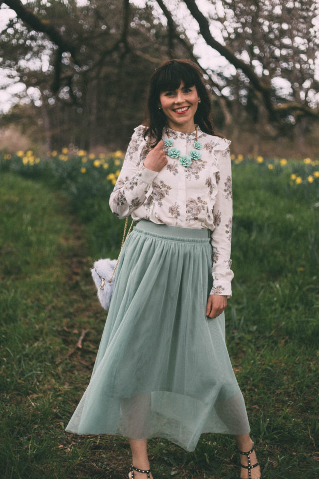 H&M, Floral Blouse, Mint Green, Tulle Skirt, Faux Fur Bag, Chic Wish, Spring Fashion, Vintage, Midi Skirt