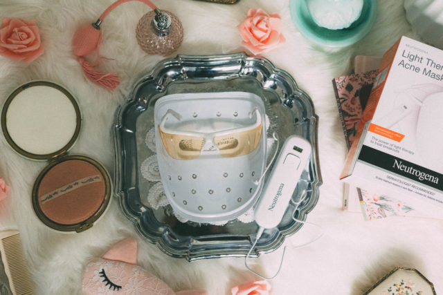 NEUTROGENA Light Therapy Acne Mask, Acne, cure, Review, Light Therapy, Beauty, Skin