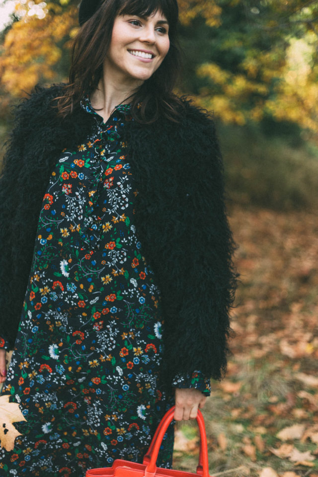 H&M Ruffle-trimmed Dress, H&M Faux Fur Jacket , fall, retro, vintage, floral, beret, fall,