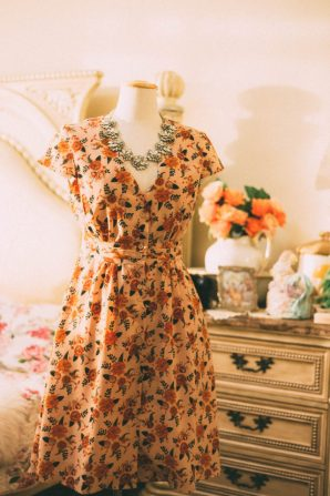 Joanie Clothing, Spring 2018, try on, haul, retro, vintage, fashion haul, floral, vintage reproduction, tea dress, floral dress, dainty, flowers, 1970s