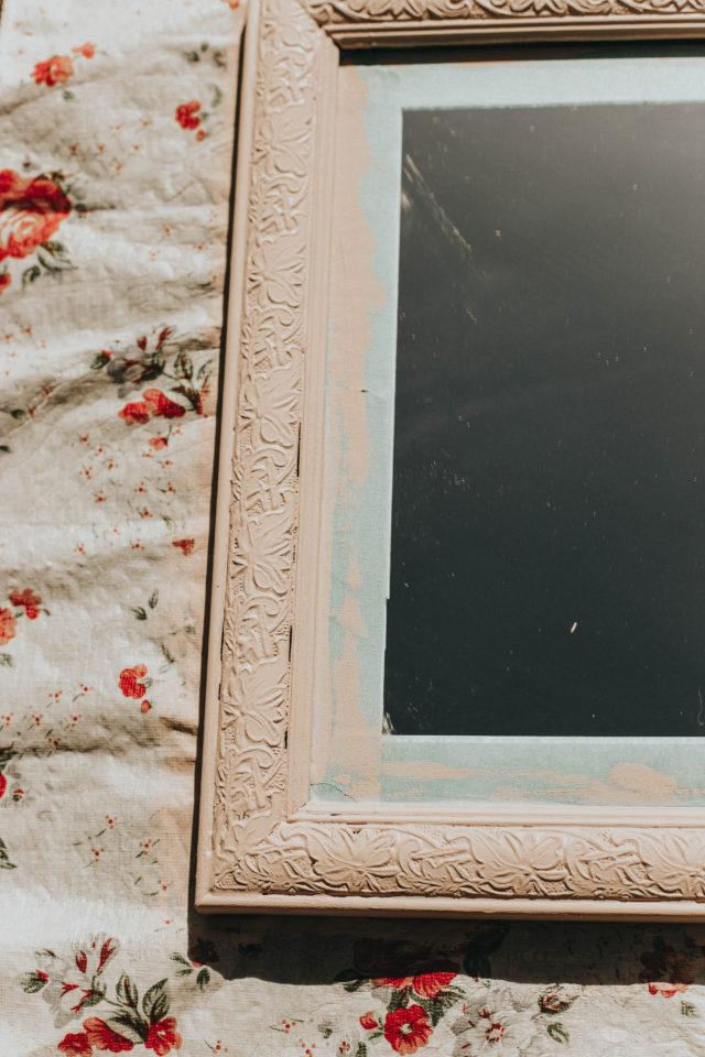DIY Vintage Floral Selfie Mirror