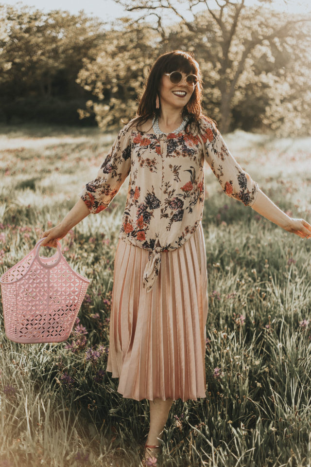 California Moonrise, Spring lookbook, vintage fashion, spring fashion, romance, feminine, floral, style, outfit,