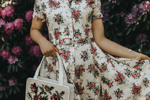COLLECTIF VINTAGE CATERINA 40S FLORAL SWING DRESS, inspired from all things vintage, collective vintage clothing, vintage fashion, all things vintage, 1940s fashion, vintage floral dress, vintage summer dress, vintage replica 1940s dress, LULU HUN ANNE HIGH HEEL, vintage replica shoes.