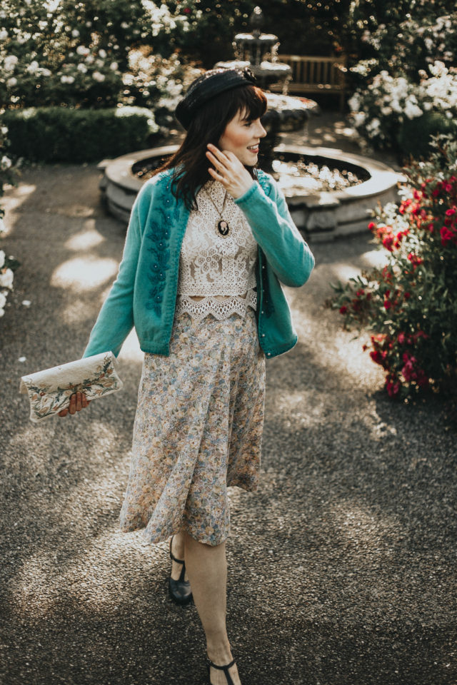 How to wear a vintage cardigan, vintage 1950s cardigan, beaded cardigan, vintage style, vintage lookbook, vintage summer fashion,