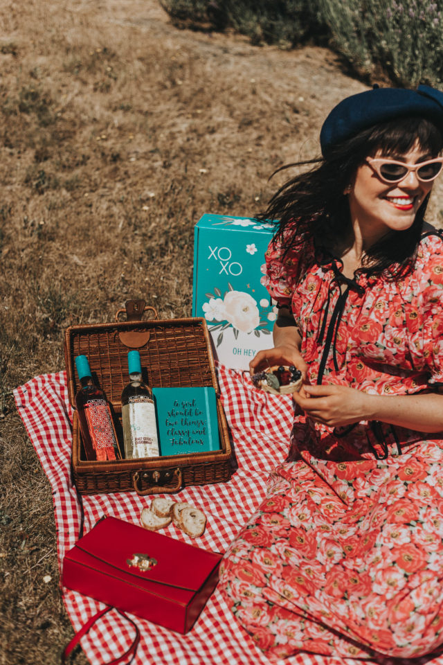 Vintage summer picnic outfit ideas, summer picnic vintage lookbook, vintage summer dresses, vintage summer dress, vintage summer picnic,