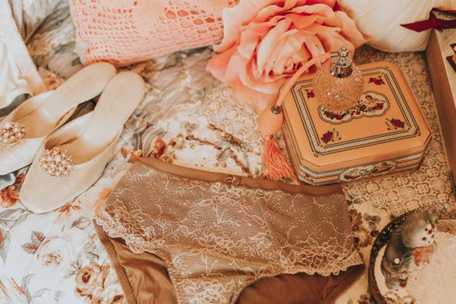Vintage underwear haul, vintage lingerie, vintage underwear, vintage undergarments, retro underwear, vintage lingerie lookbook