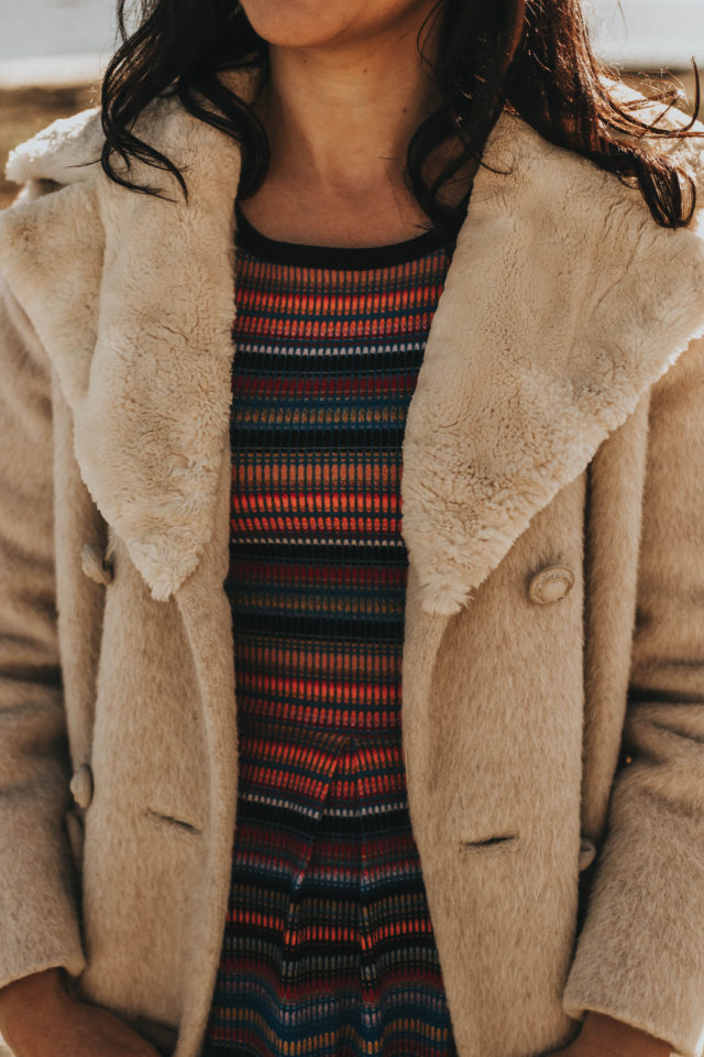 vintage winter coat lookbook, vintage fashion, vintage style, retro, fashion blogger, style, outfit idea, winter coat, vintage winter coats, vintage winter fashion lookbook