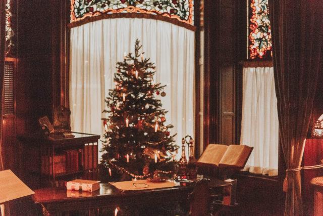 Craigdarroch Castle, Victorian Christmas Decor, Christmas decor at Craigdarroch Castle, Unique Vintage 1940s Style Grey & White Plaid Sleeved Sally Swing Dress, Unique Vintage, 1940s dress, Plaid Dress,