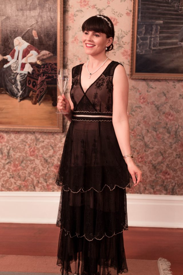 Downton Abbey Lady Mary NYE Lookbook, Lady Mary Fashion, Lady Mary Makeup, Downton Abbey Fashion, 1920s Dress, Lady Mary Hair style, Downton Abbey Makeup, Vintage NYE outfit ideas
