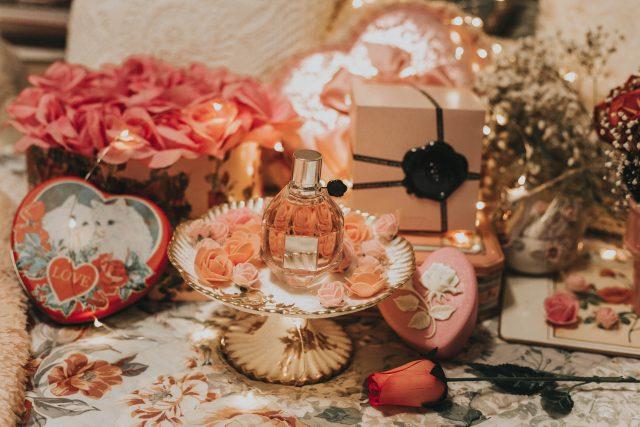 Valentine's Day, Valentine's Day, Gift ideas, Macy's, Perfume, Flowerbomb, Viktor & Rolf, perfume, floral perfumes, Valentine's Day Gift Ideas,