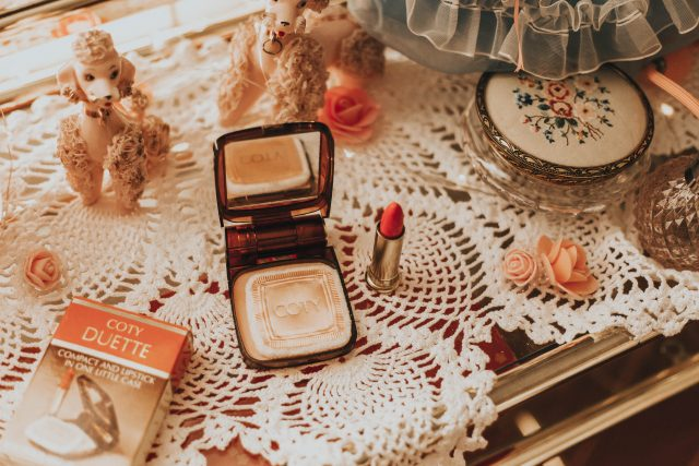 Thrift store haul, vintage makeup, vintage vanity mirror, vintage home decor, vintage fashion, vintage accessories, vintage Coty makeup, vintage good housekeeping magazines,
