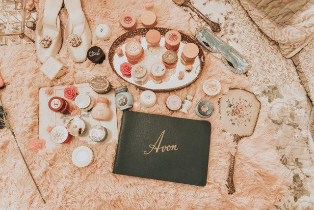 vintage 1950s Avon catalogue, 1950s Avon, vintage Avon, vintage Avon cream sachet collection
