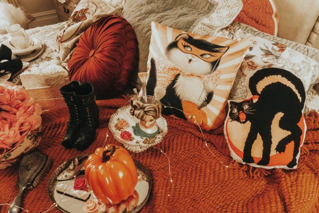 Vinnie Boy Vintage, Vintage inspired Halloween decor, vintage Halloween, vintage Halloween decor, Vintage Halloween fashion, Vinnie Boy vintage-inspired Halloween decor