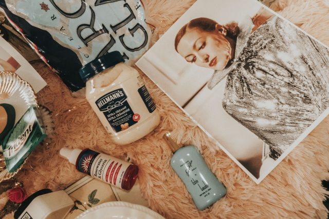 Joan Crawford, beauty routine, Joan Crawfords favourite beauty products, Joan Crawford feud, Mommie dearest, Joan Crawford perfume, Joan Crawford Beauty Routine, Joan Crawford My Way of Life