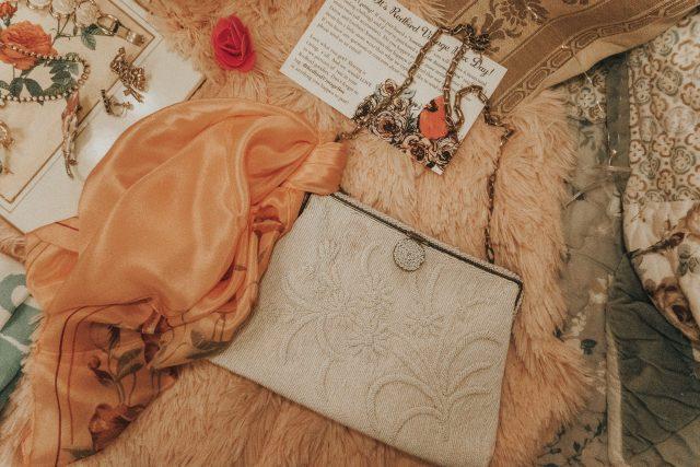 Redbird Vintage Box, vintage unboxing, vintage accessory box, vintage fashion, vintage subscription box,