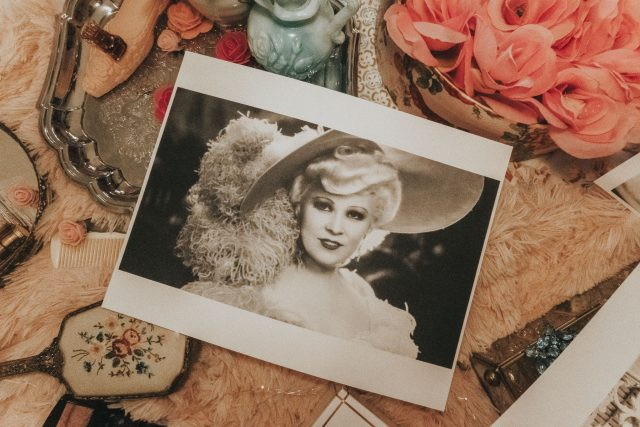 Mae West's favourite beauty products you can still buy today, Mae West, Mae West Old Hollywood Icon. Mae West Perfume, May West's favorite perfume, Old Hollywood beauty secrets,