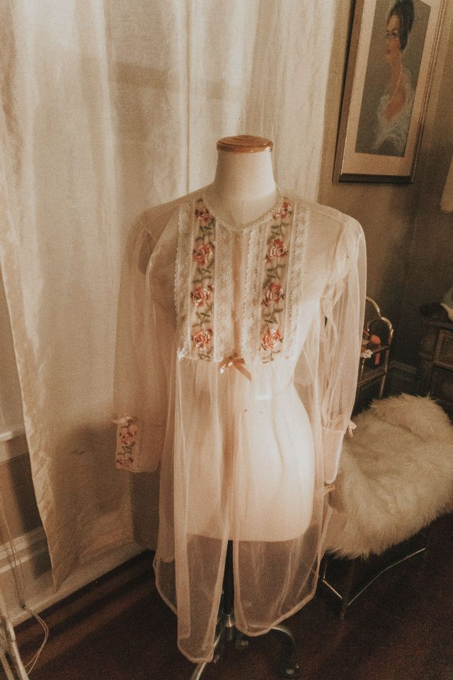 vintage estate, vintage haul, vintage fashion haul, vintage fashion, vintage nightgown