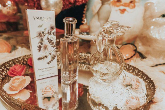 Anna Karina fashion, Anna Karina Style icon, 20th century style icon, Anna Karina favorite beauty products, Anna Karina perfume,