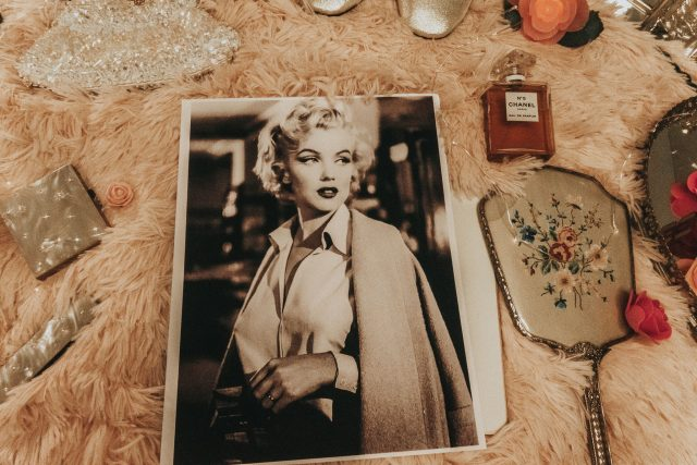 Marilyn Monroe, style secrets, Marilyn Monroe fashion, Marilyn Monroe beauty products, Marilyn Monroe fashion, 20th century style icons